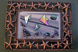 http://snowflakeglass.com/wp-content/uploads/2016/06/starfish-frame-fishy-300x200.jpg