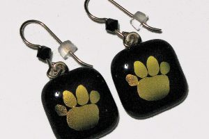 http://snowflakeglass.com/wp-content/uploads/2016/09/Tiger-Paw-Earrings-by-Peggy-King-300x200.jpg